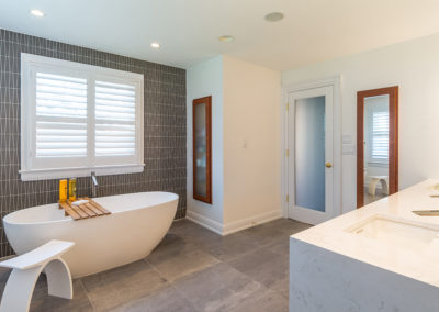 Dated Master Bath gets a Contemporary Facelift