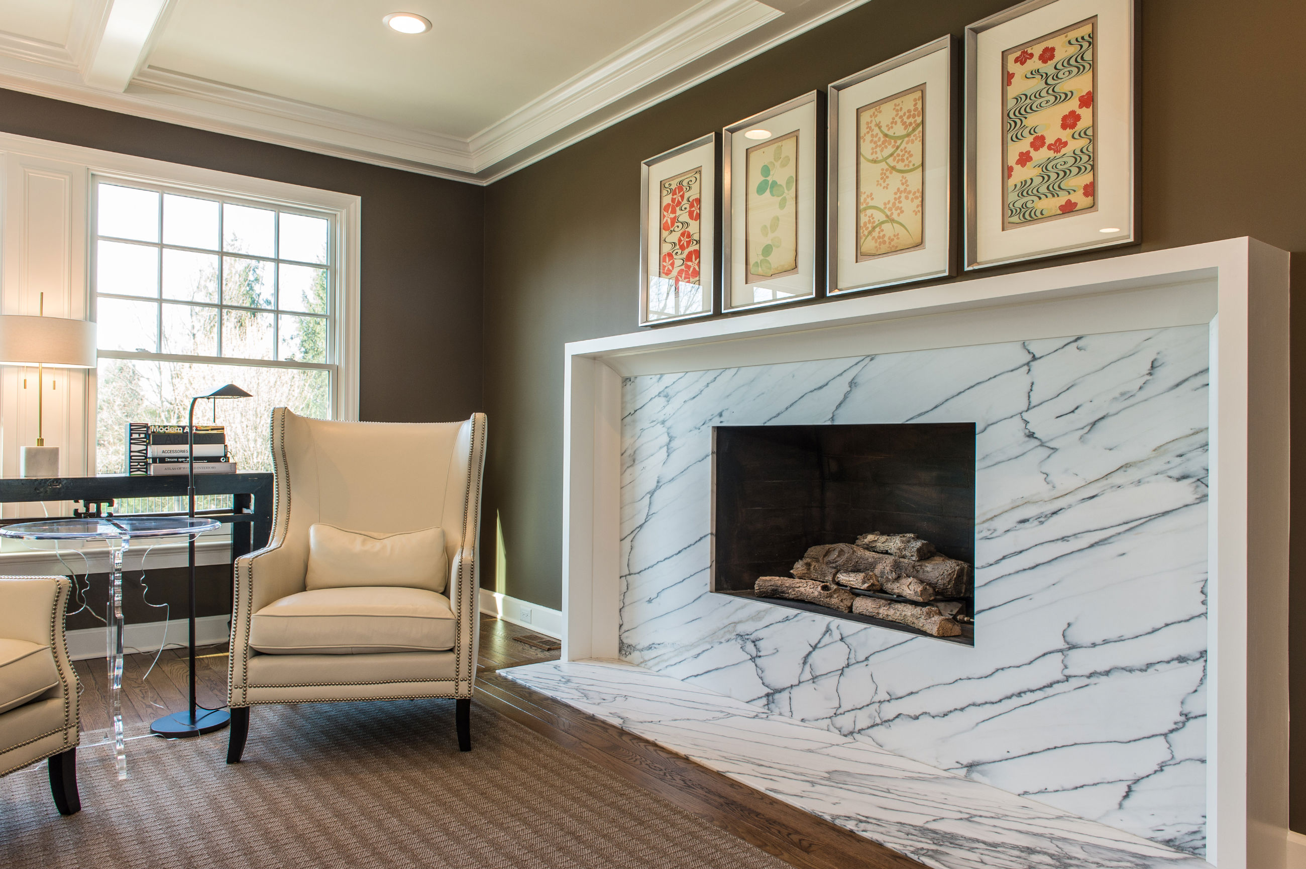 White Soapstone Marble Front fireplace