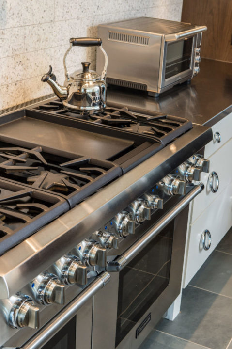 Modern kitchen redesign with Thermador range