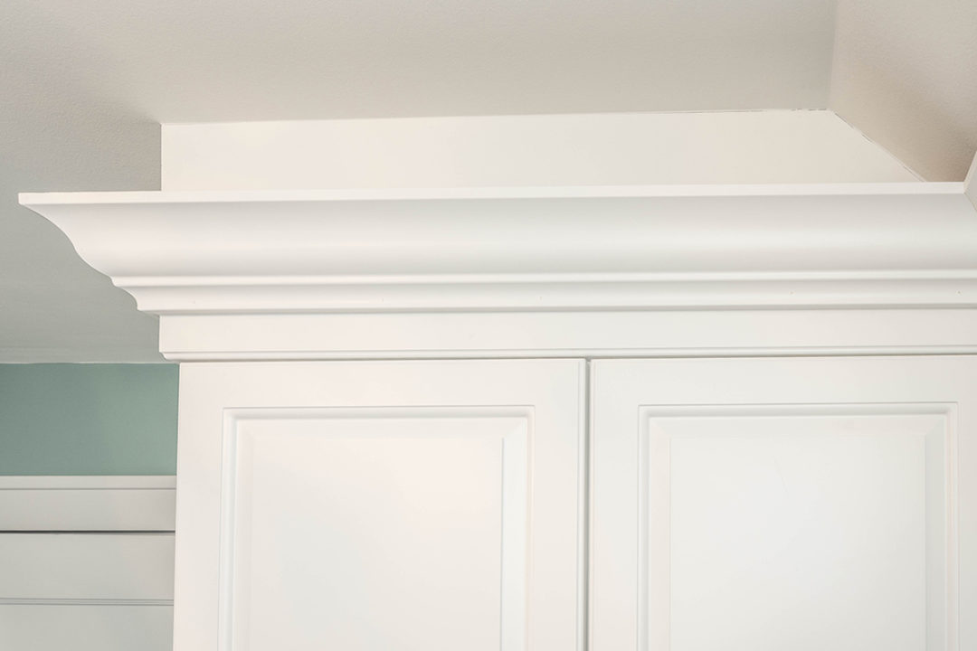 master bedroom molding detail