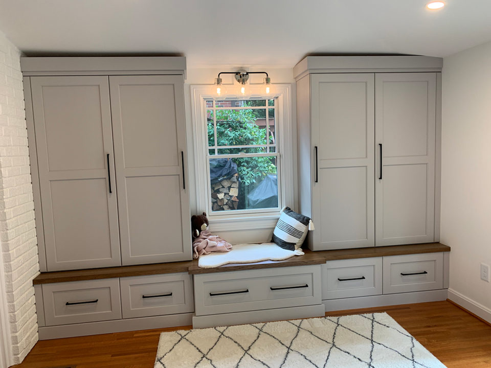 mudroom, vaulted ceiling, storage options , bench, lockers