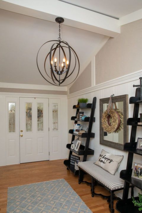 Lakehouse renovation, front entry way, lighting, pendant lighting, foyer