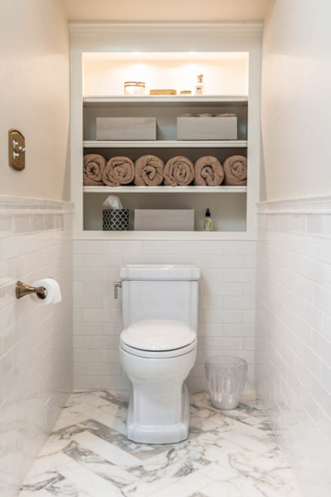 guinevere toilet, star white tile, stool room
