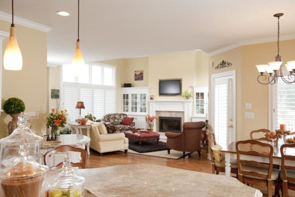 Traditional Country Kitchen Family Room