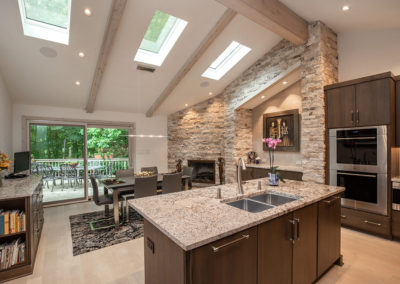 Dated 70's Kitchen Gets Contemporary Makeover
