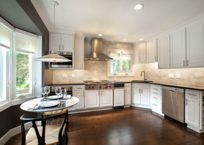 Traditional Kitchen Gets an Updated Luxe Aesthetic